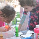 Spin art is a no mess art activity that kids LOVE